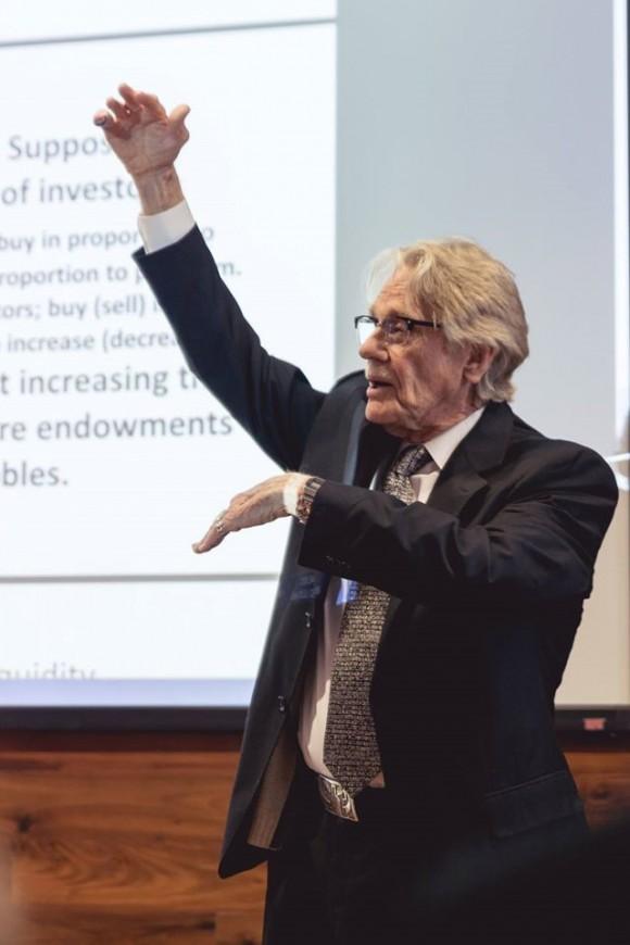 Vernon Smith delivers keynote