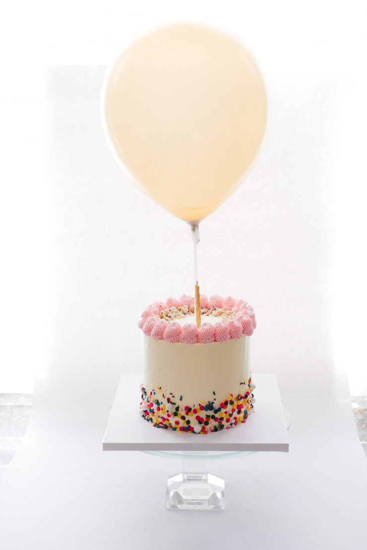 birthday cake with baloon