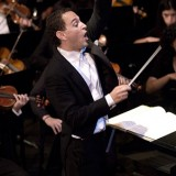 Daniel Alfred Wachs conducting at the Sholund Scholarship Concert