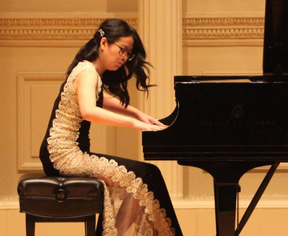 Pianist Crystal Mo