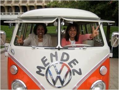 Sylvia & Sandra in MvW Bus