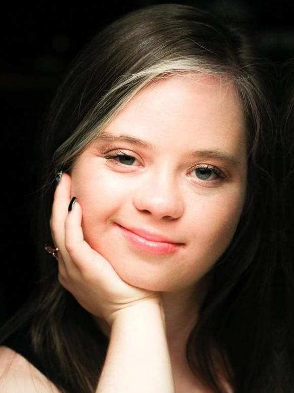 Megan Bomgaars Headshot