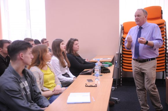 Professor David Dowling leads a class at the Taras Shevchenko National University of Kyiv