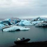 +Blue bergs w-zodiac boat
