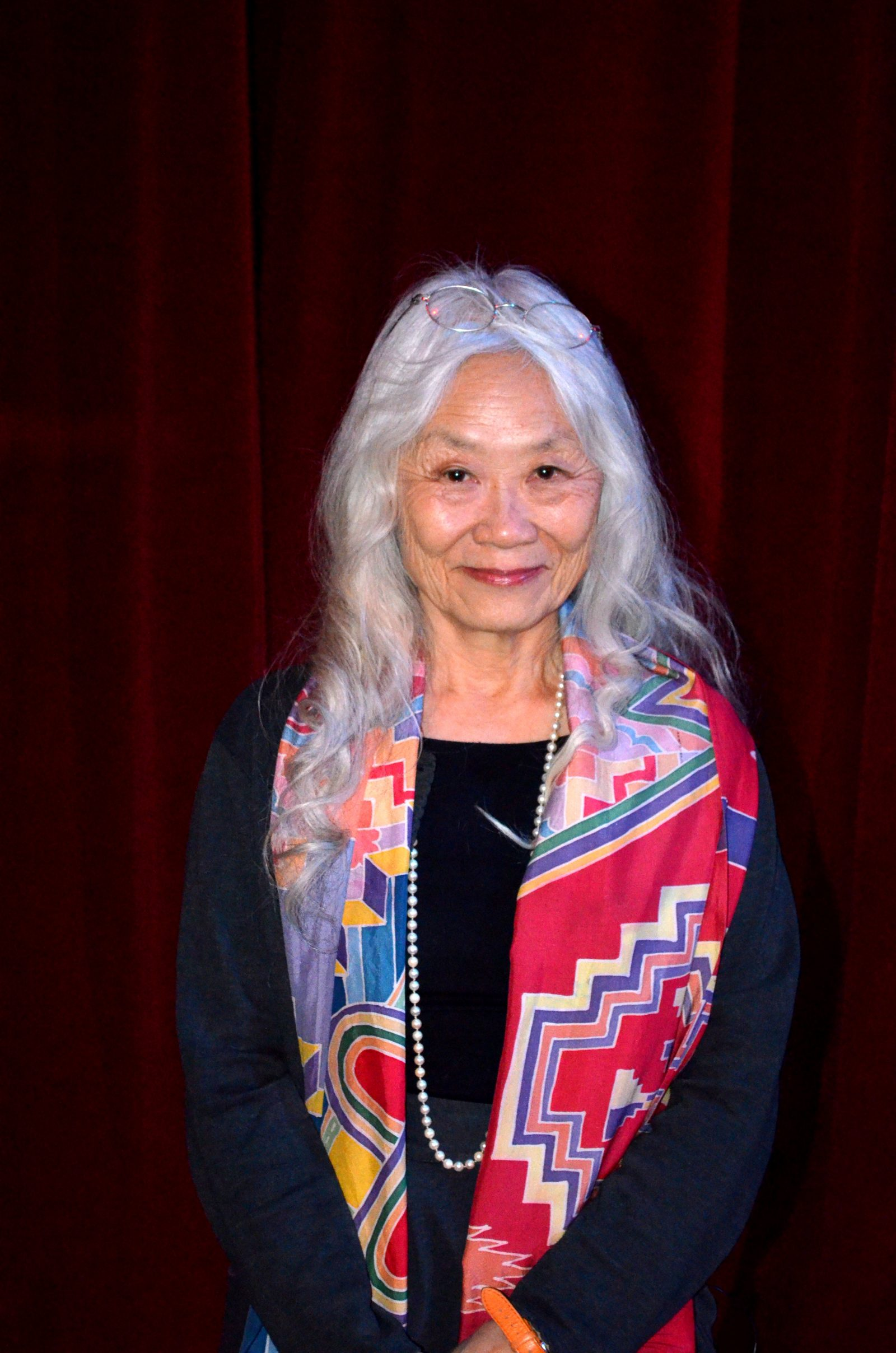 analysis of maxine hong kingston no Fundamental to the woman warrior is the theme of finding one's own  the woman warrior maxine hong kingston buy share summary and analysis.