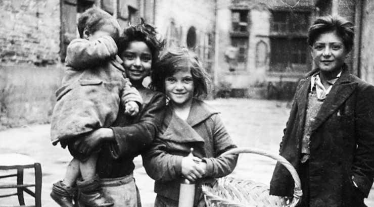 Roma children, photo courtesy of USHMM, courtesy of Elizabeth Eidenbenz