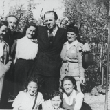 Mila Page and female Schindler survivors with Oskar Schindler