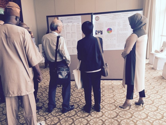 People viewing student research.