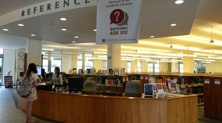 Photograph of the Leatherby Libraries Reference Desk.